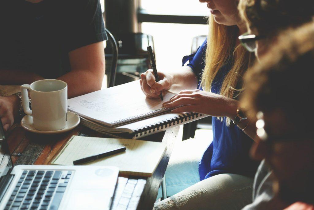 Bild von Personen im Startup